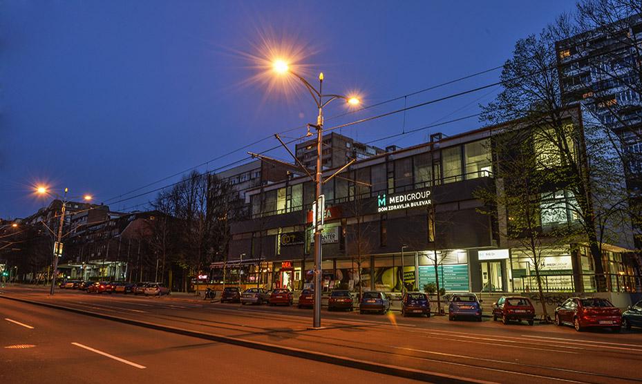Dom zdravlja Bulevar - lokacija i izgled doma zdravlja noću