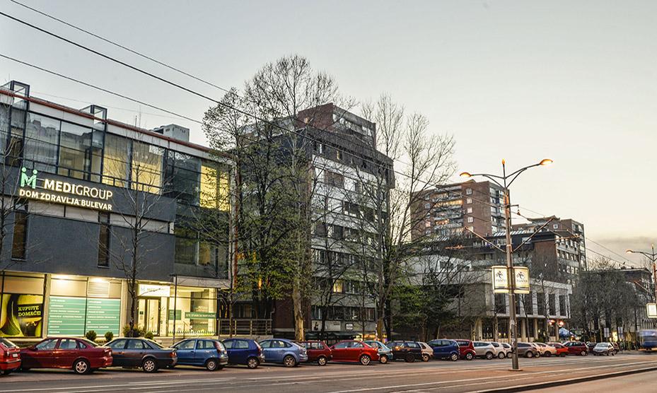 Dom zdravlja bulevar se nalazi u ulici Bulevar Kralja Aleksandra 294